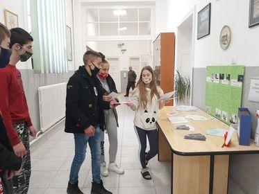 """Ученици Дома """"Младост"""" акцијом поручили: Кажемо НЕ пороцима!"""